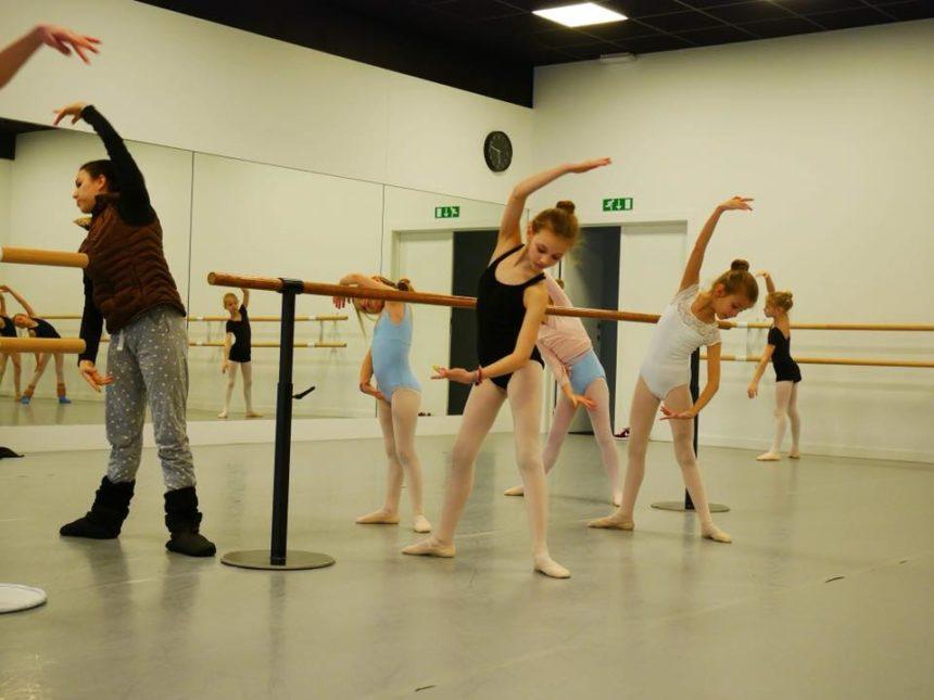 Dansstages